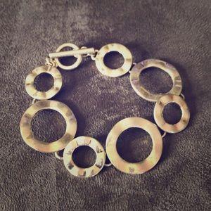 ☘️Lia Sophia toggle bracelet